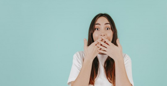 Domande Flash: Lo sbiancamento dentale è doloroso?