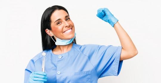 6 buone pratiche per una visita dal dentista sicura